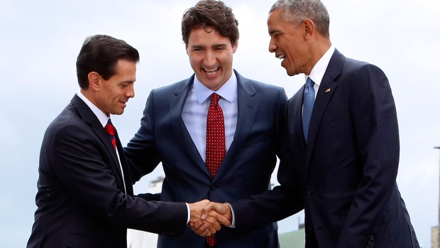 Prime Minister Justin Trudeau (centre), Mexican President Enrique Pena Nieto (left) and U.S. President Barack Obama (right)
